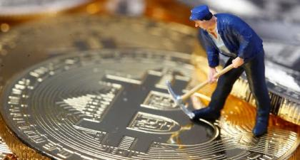 Bitcoin Mining Firm Stock Prices Have Outperformed BTC by 455% in 12 Months